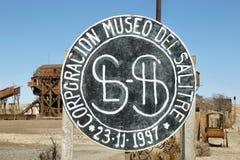 Signe d'entrée de ville fantôme abandonnée de Santa Laura images stock