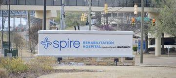 Signe d'hôpital de réadaptation de flèche, Jackson, Tennessee images stock