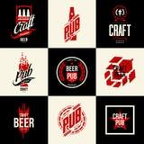 Signe d'isolement moderne de logo de vecteur de boissons de bière de métier pour la barre, le bar, la brasserie ou la brasserie Images stock