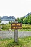 Signe d'itinéraire aménagé pour amateurs de la nature Images libres de droits