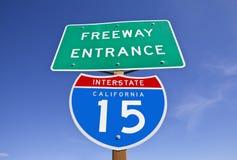 Signe d'un état à un autre d'entrée de 15 autoroutes de la Californie Photographie stock libre de droits