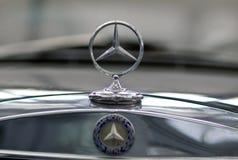 Signe de benz de Mercedes Photographie stock libre de droits