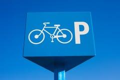 Signe de bicyclette de stationnement image stock