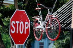 Signe de bicyclette et d'arrêt Photos libres de droits