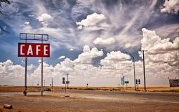 Signe de café le long de l'artère historique 66 dans le Texas. Image stock