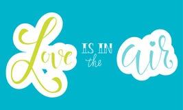 Signe de calligraphie de vecteur - l'amour est dans le ciel Conception lumineuse d'affiche, de carte ou d'impression Image libre de droits