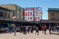 Signe de centre de marché public de place de Pike Image libre de droits