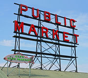 Signe de centre de marché publique de Seattle Photo stock