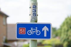 Signe de chemin de cycle Photos stock