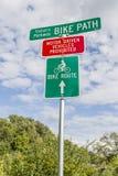 Signe de chemin de vélo images stock