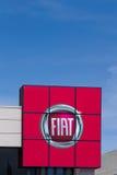 Signe de concessionnaire d'automobile de Fiat Photo stock