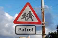 Signe de croisement de patrouille Photos stock