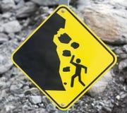 Signe de danger d'automne de roche Image stock