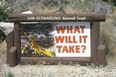 Signe de forêt nationale de San Bernardino photographie stock