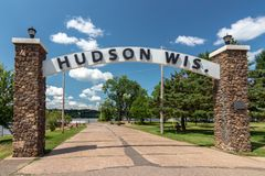 Signe de Hudson Wisconsin Lakefront Park Entrance photo stock