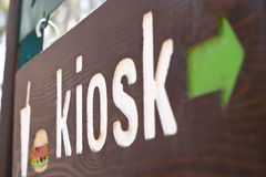 Signe de kiosque photographie stock libre de droits