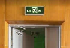 Signe de lumière de sortie de secours Image stock