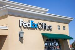 Signe de magasin de bureau de Fedex images libres de droits