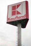 Signe de magasin de Kaufland Images libres de droits