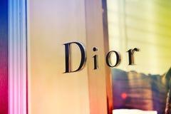 Signe de magasin emblématique de Dior Image stock