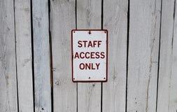 Signe de personnel seulement Photo stock