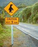 Signe de pingouin de précaution Photo stock