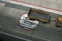Signe de piste d'aéroport Images stock