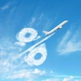 Signe de pourcentage fait à partir des nuages photographie stock