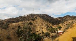 Signe de renommée mondiale de Hollywood vu du canyon de Bronson Image libre de droits
