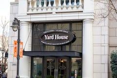Signe de restaurant de Chambre de yard photos libres de droits
