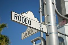 Signe de Rodeo Drive par Hollywood Photographie stock libre de droits