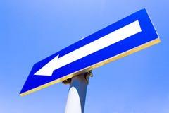 Signe de route à sens unique Photos libres de droits