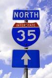 signe de route de 35 omnibus Photos libres de droits