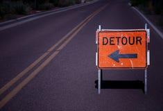 Signe de route de détour photo stock