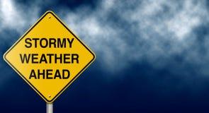 Signe de route de temps orageux en avant Images libres de droits