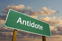 Signe de route vert d'antidote Image libre de droits