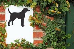 Signe de secteur de chien d'attention photographie stock