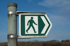 Signe de sentier piéton en métal Photo libre de droits