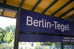 Signe de station de train de Berlin tegel Images libres de droits