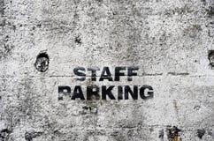 Signe de stationnement de personnel Images stock