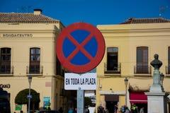 Signe de stationnement interdit à la place de l'Espagne Photo stock