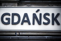 Signe de ville de Danzig à la gare ferroviaire principale Image stock