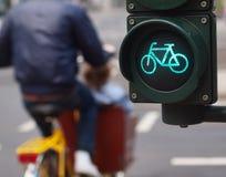 Signe de vélo de feu de signalisation Images libres de droits