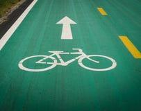 Signe de voie pour bicyclettes images stock