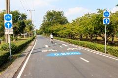 Signe de voie pour bicyclettes Photographie stock