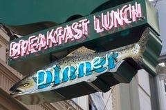 Signe de wagon-restaurant de poissons Images libres de droits