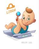 Signe de zodiaque de Balance Mensonges de bébé garçon sur les échelles et le hochet de jouer Signe d'horoscope de BALANCE Photos stock