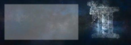 Signe de zodiaque de Gémeaux Signe d'horoscope de Gémeaux Pièce des textes de calibre photo libre de droits