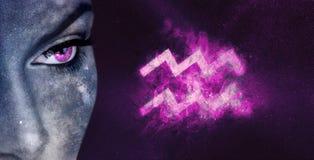 Signe de zodiaque de Verseau Femmes d'astrologie de ciel nocturne photo libre de droits