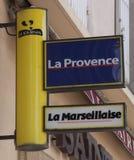 Signe des journaux français dans des Frances d'Avignon images libres de droits